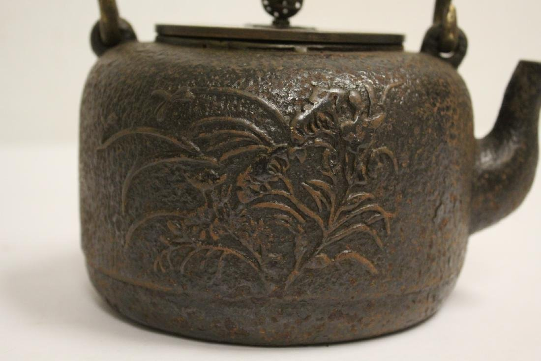 Chinese cast iron teapot - 8
