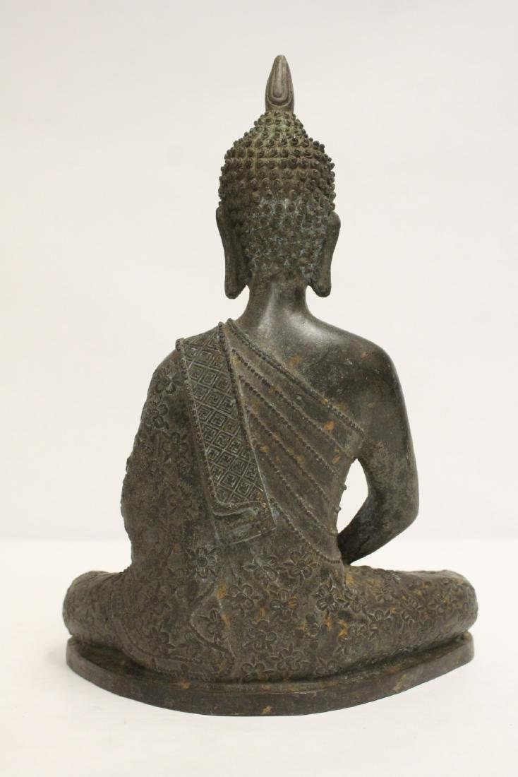 Bronze sculpture of seated Buddha - 3