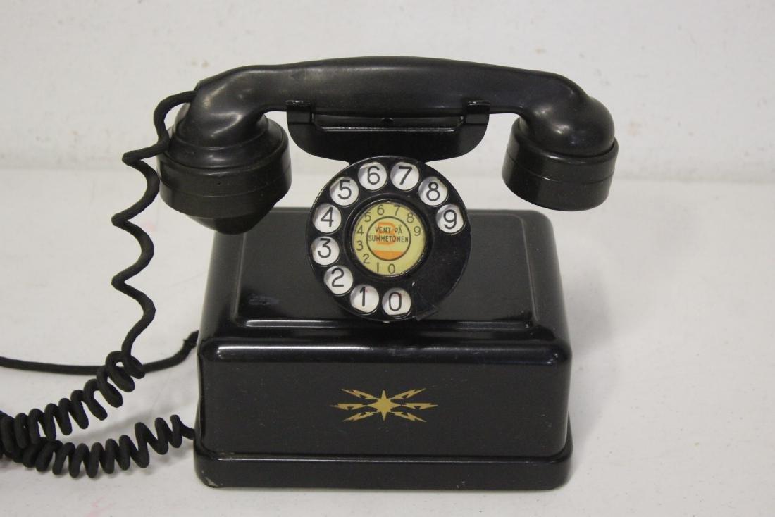 A vintage telephone - 2