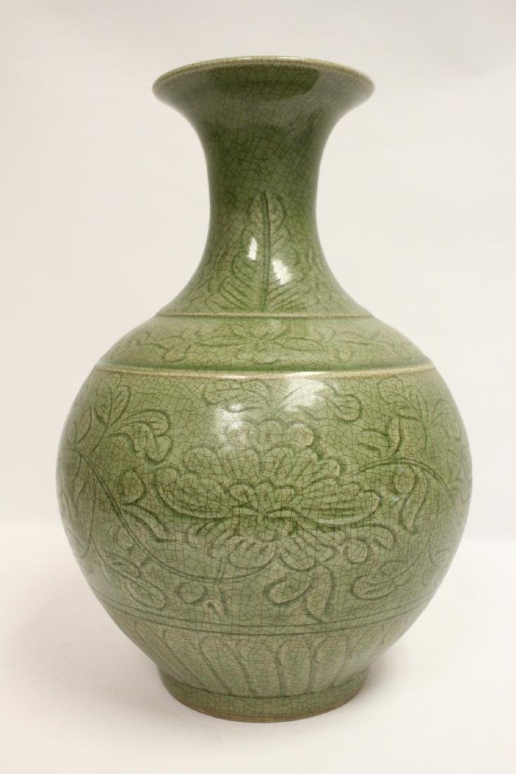Chinese Song style celadon vase - 4