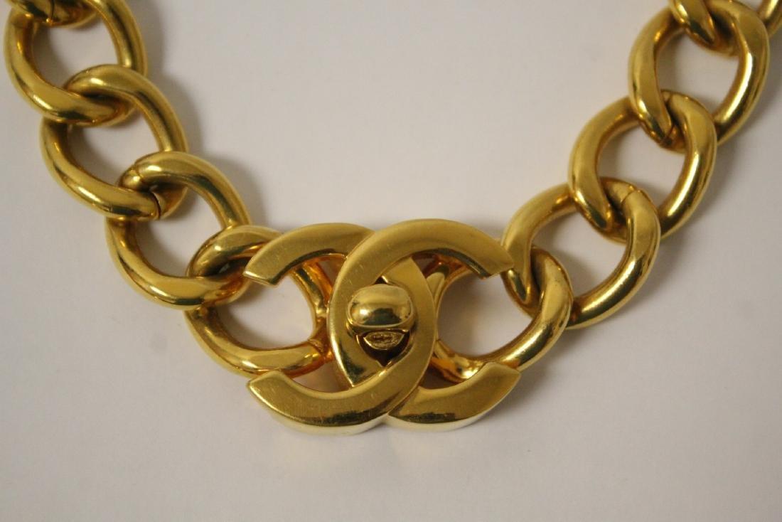 A gilt metal Chanel choker - 2