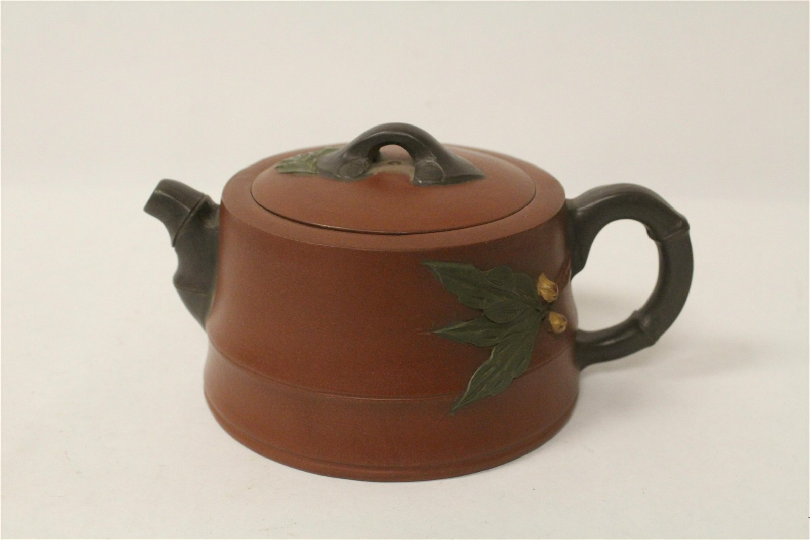 A fine Chinese Yixing teapot