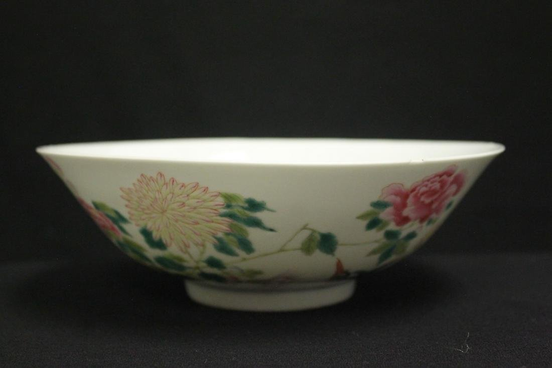 Chinese 18th/19th c. famille rose porcelain bowl