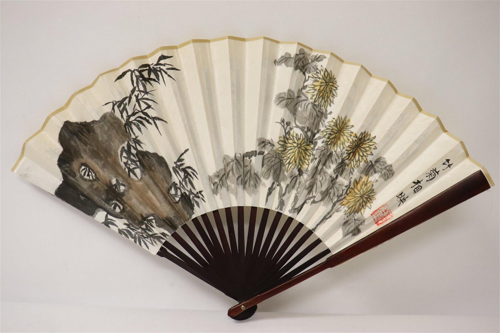 Chinese silk fan with w/c painting and calligraphy