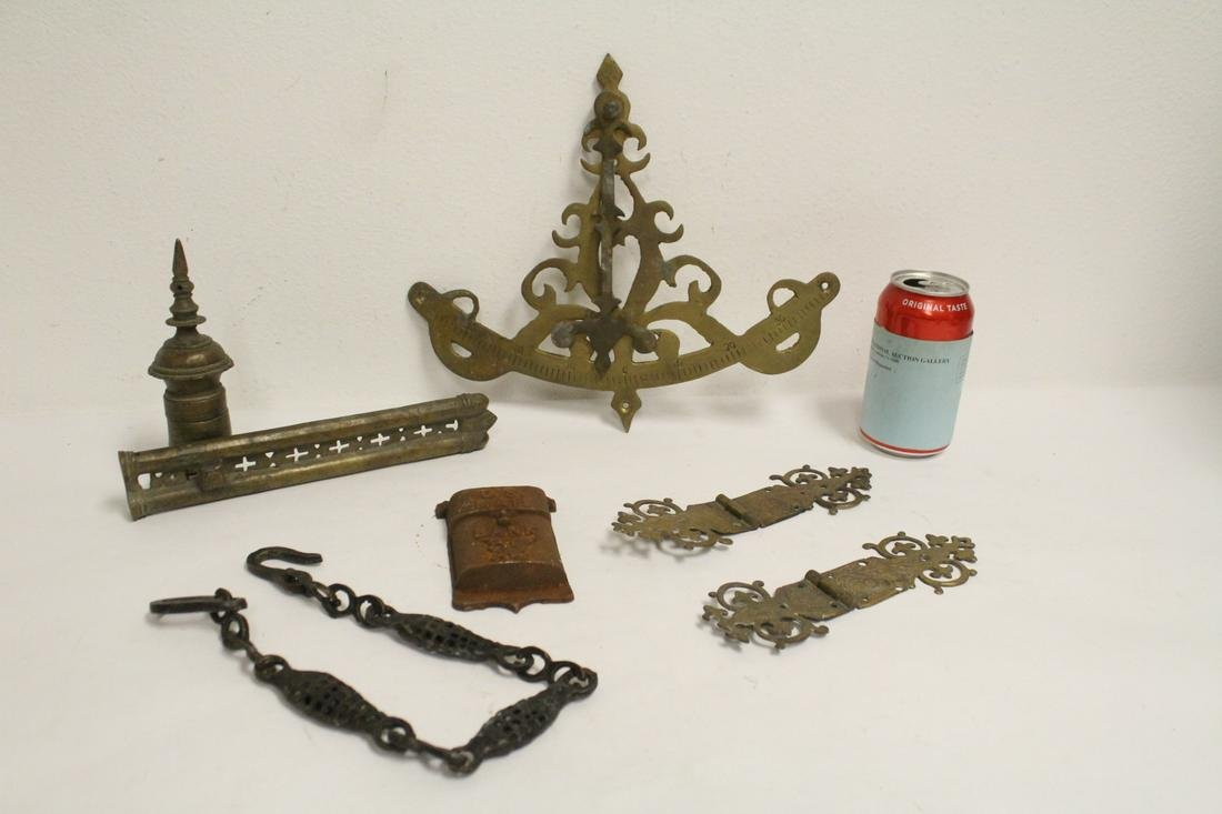 Lot of bronze, brass and cast iron pieces