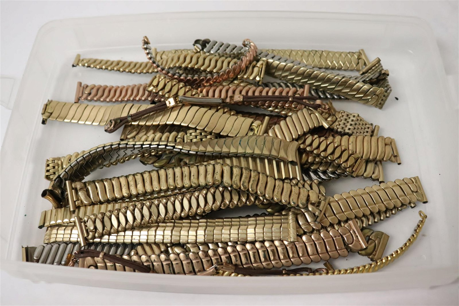 Approx. 30 watch bands