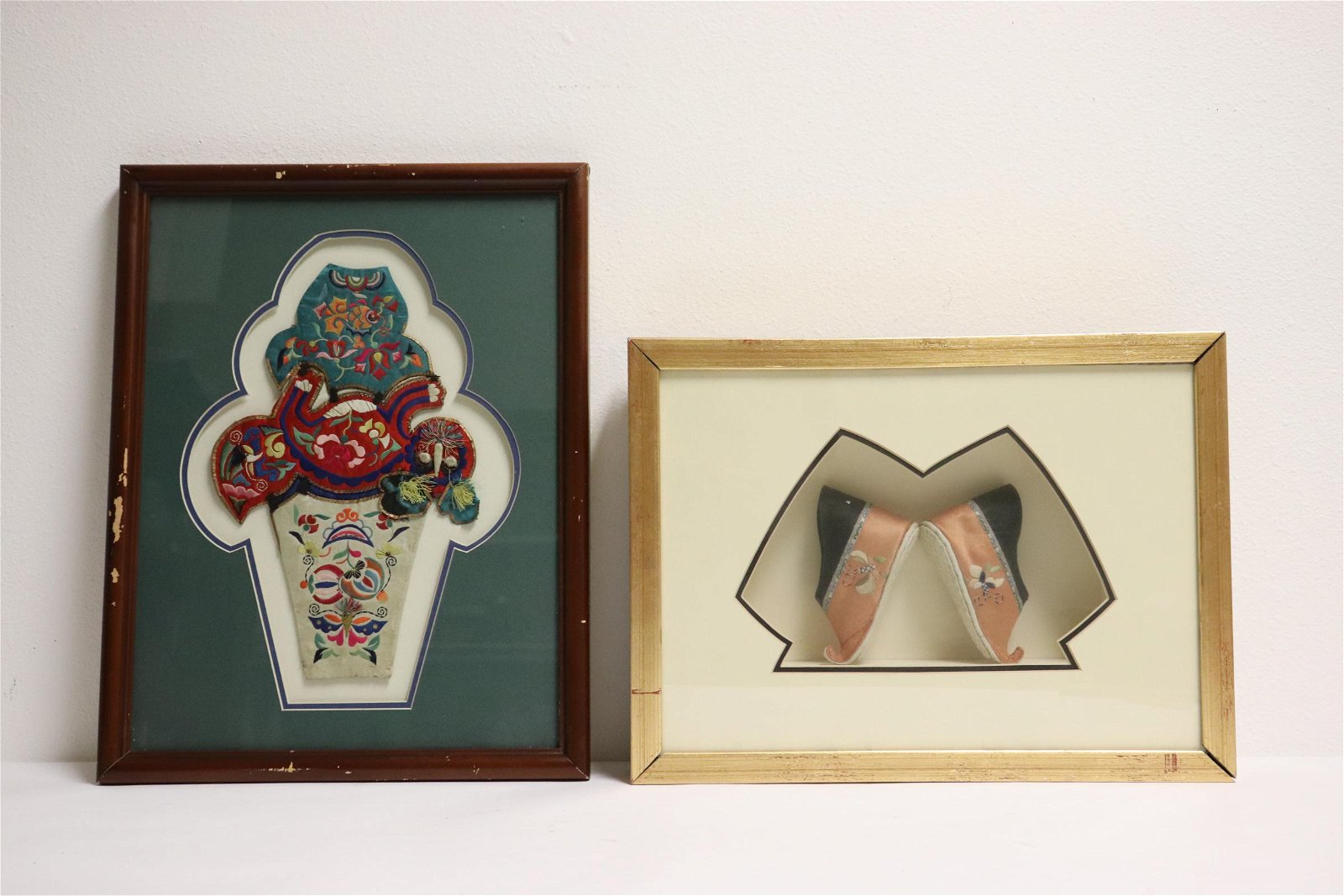 2 Chinese framed embroidery items