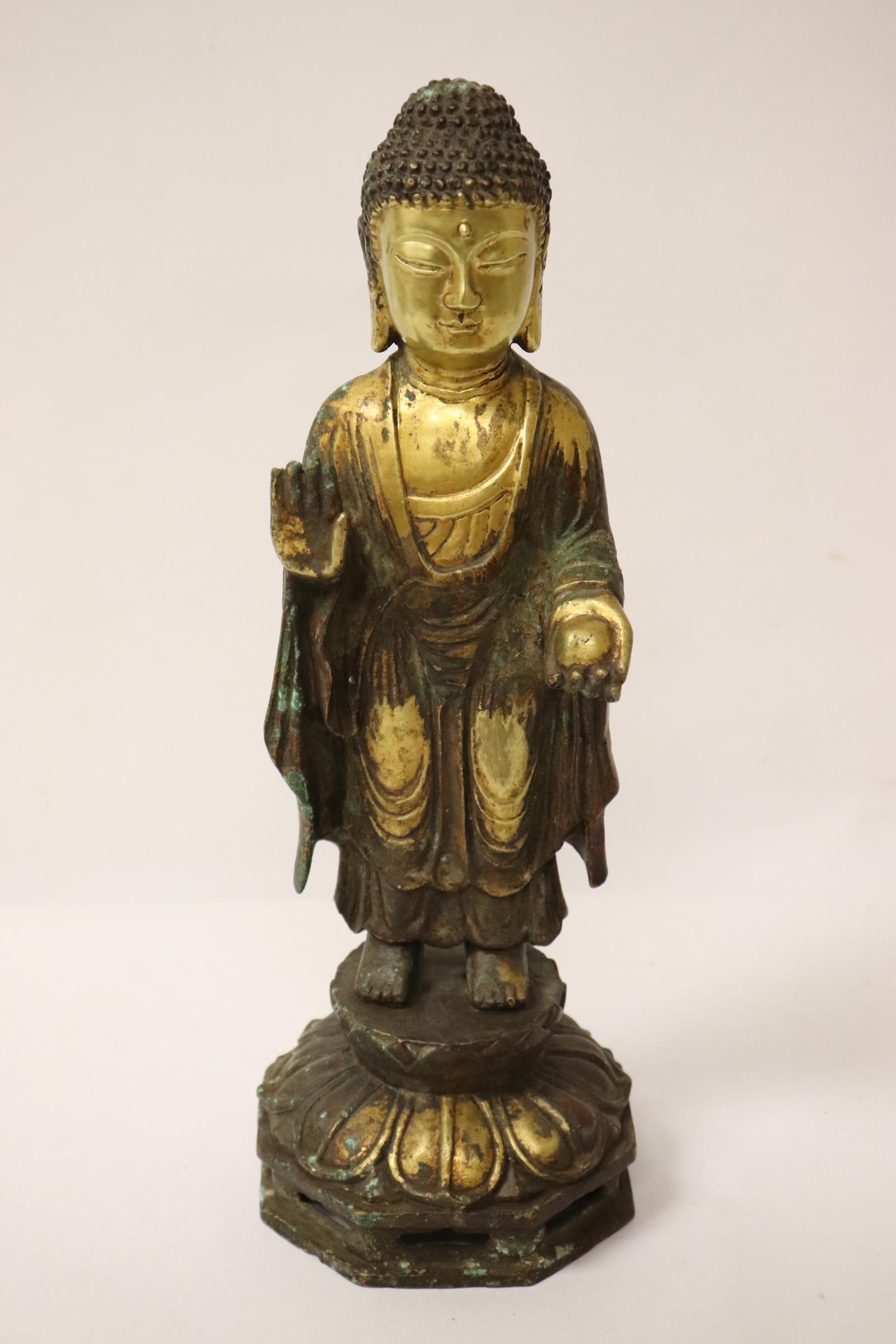 A fine Chinese vintage gilt bronze deity