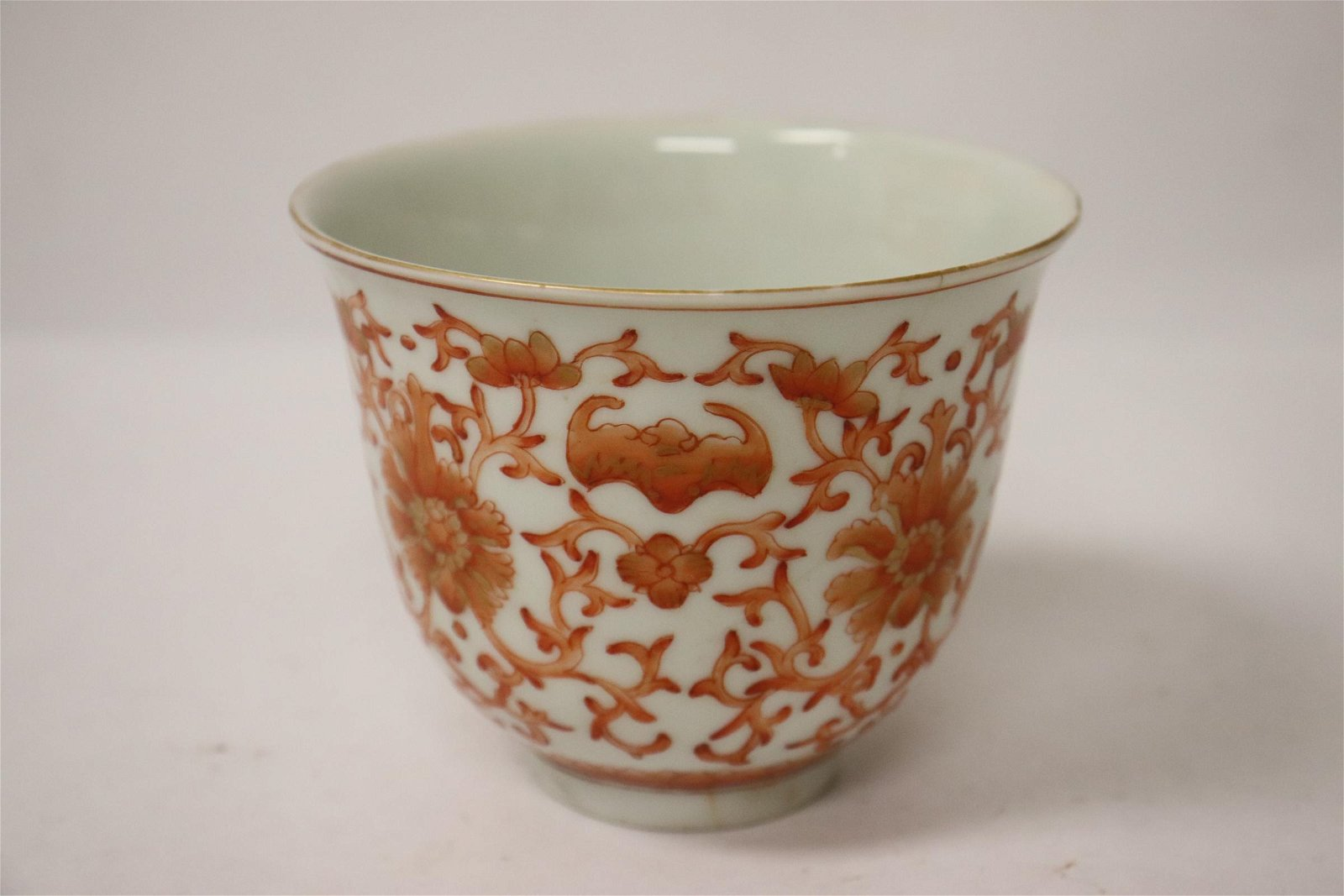 Chinese red and white porcelain tea cup