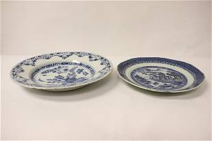 2 Chinese antique blue and white plates