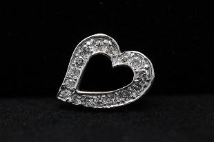 10K WG heart shape pendant with diamonds