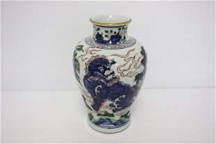 Chinese wucai porcelain jar, Kangxi period