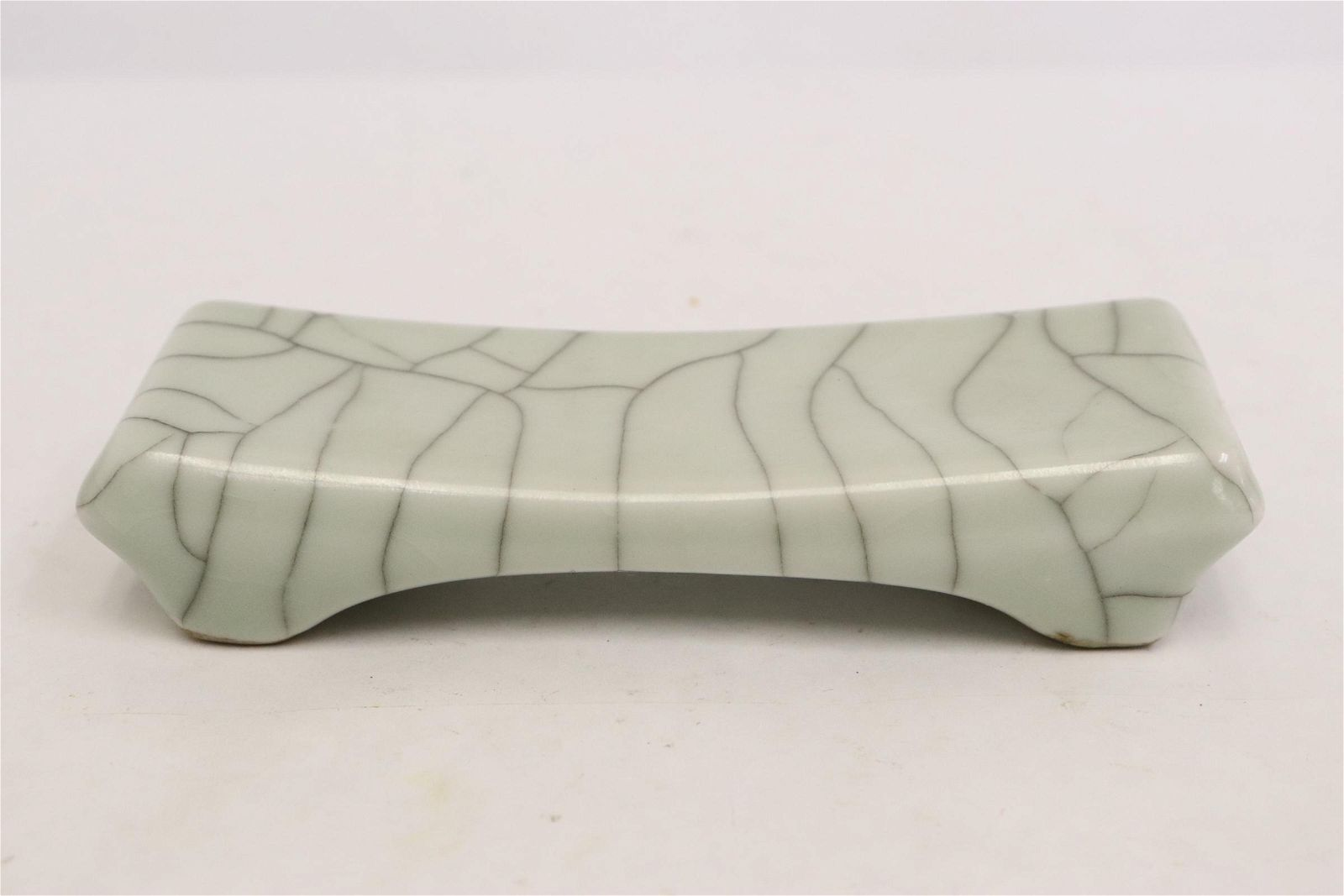 Chinese vintage crackleware porcelain brush stand