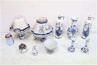 Lot of Delft blue porcelain pieces