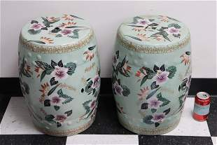 Pair Chinese wucai porcelain garden stools