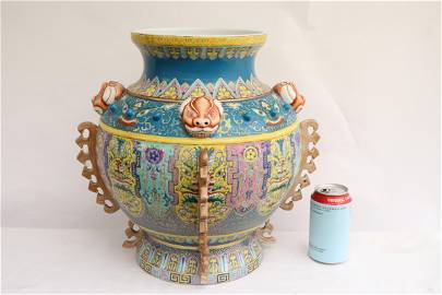 large Chinese 19th/20th c. famille rose porcelain jar