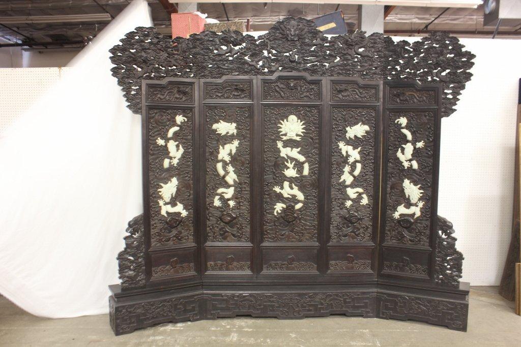 320: hardwood carved 5-panel room divider
