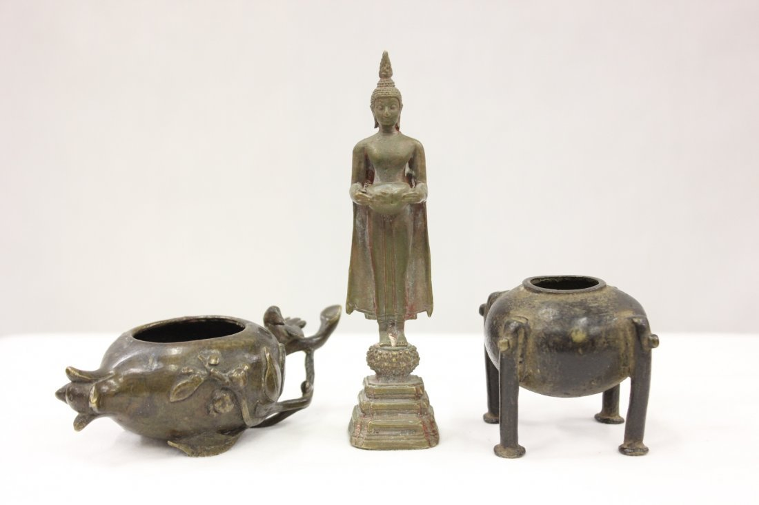 107: 3 Chinese antique bronze items