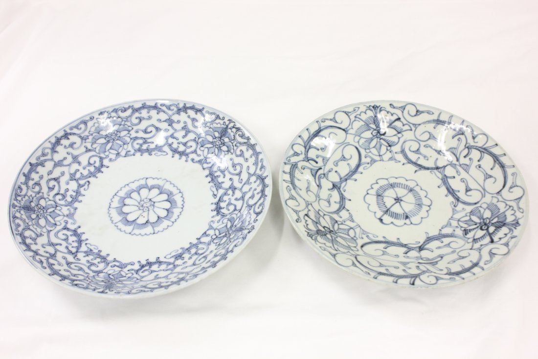 110: Pr Chinese antique blue & white porcelain plates