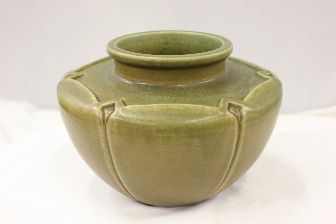 113: Rookwood arts and crafts pottery bowl