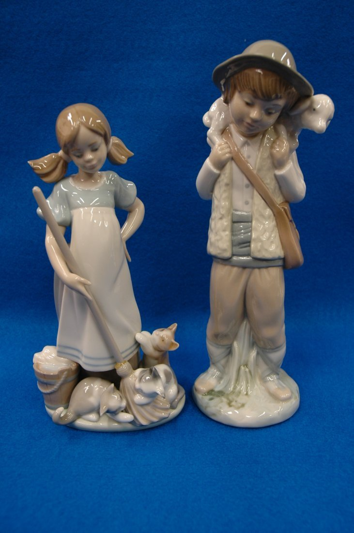 "Iladro figurine ""girl"" and Zaphir figurine""boy"""