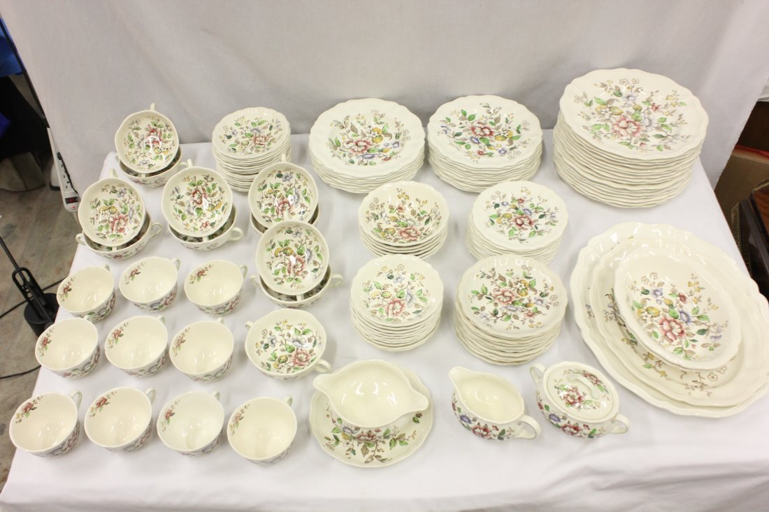 Royal Doulton china set in Monmouth pattern, 118pc