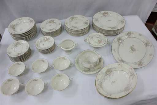 Theodore Haviland china set, apple blossom pattern, 62p