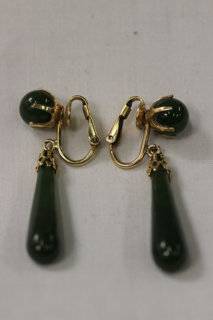 Pair 14K jadeite drop earrings, wt. 10.3gm