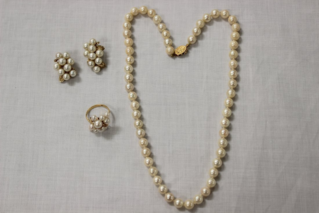 3 Cultured pearl pieces (necklace, ring & earrings)