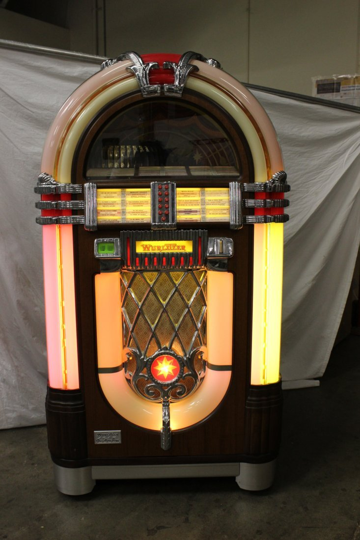 A rare Wulitzer bubble juke box, model 1015