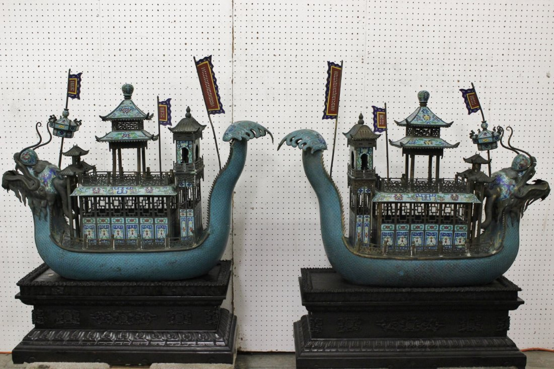 Pr important Chinese bronze based dragon boats