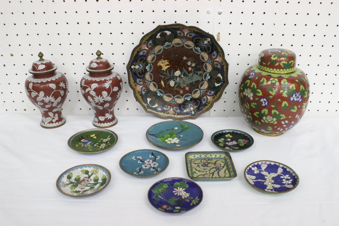 3 cloisonné covered jars and small cloisonné dishes