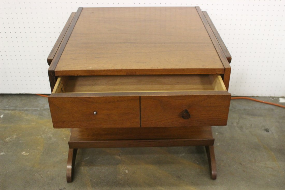 A mid-century teak wood end table by Kroehler - 6