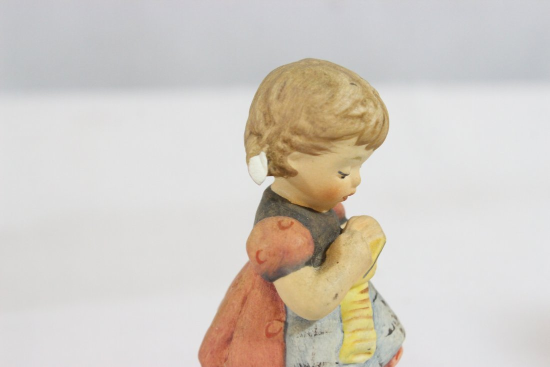 6 Hummel figures and a miniature Hummel clock - 9
