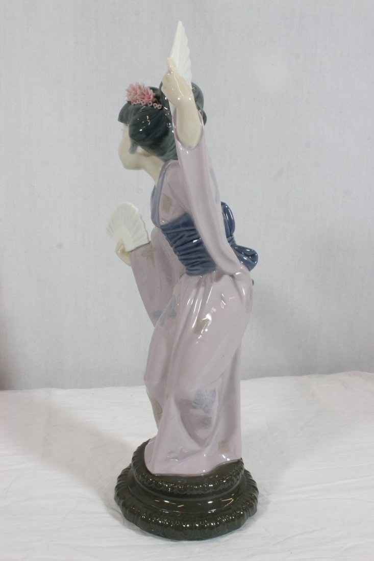 "2 Lladro figurines ""Japanese girl with fan"" - 8"