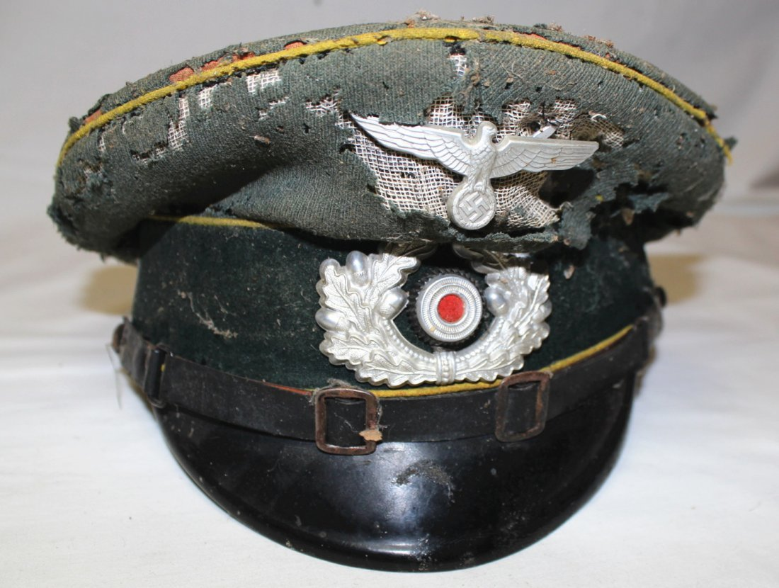 WWII German military hats & Nazi patches - 3