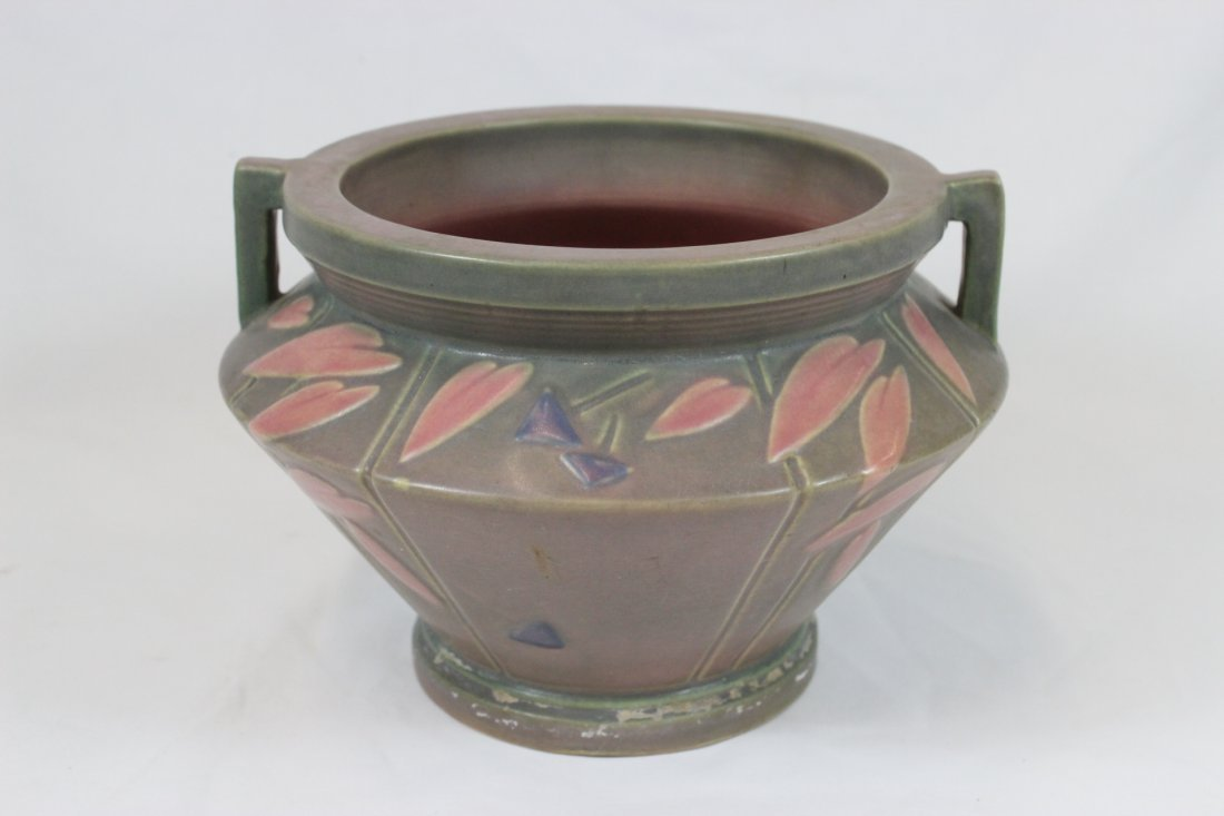 A fine arts and crafts pottery planter