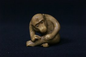 Japanese Antique Ivory Carved Netsuke