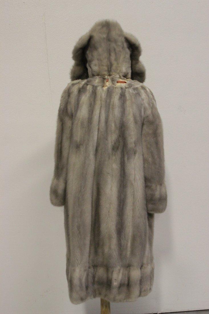 A full length mink coat - 3
