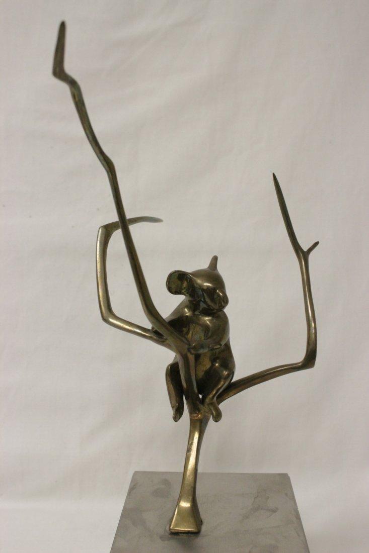 Bronze sculpture, signed Loet, number 153/500 - 2