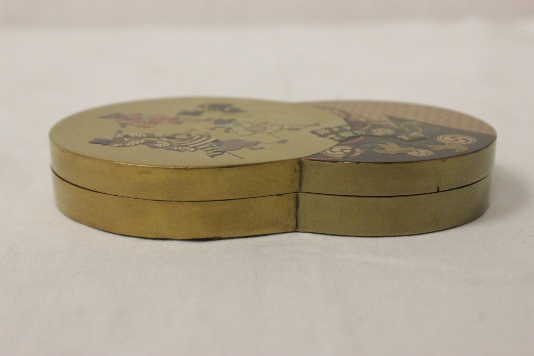 A beautiful Japanese lacquer box - 2
