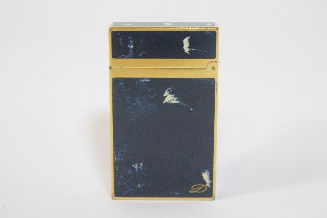 A DuPont lighter