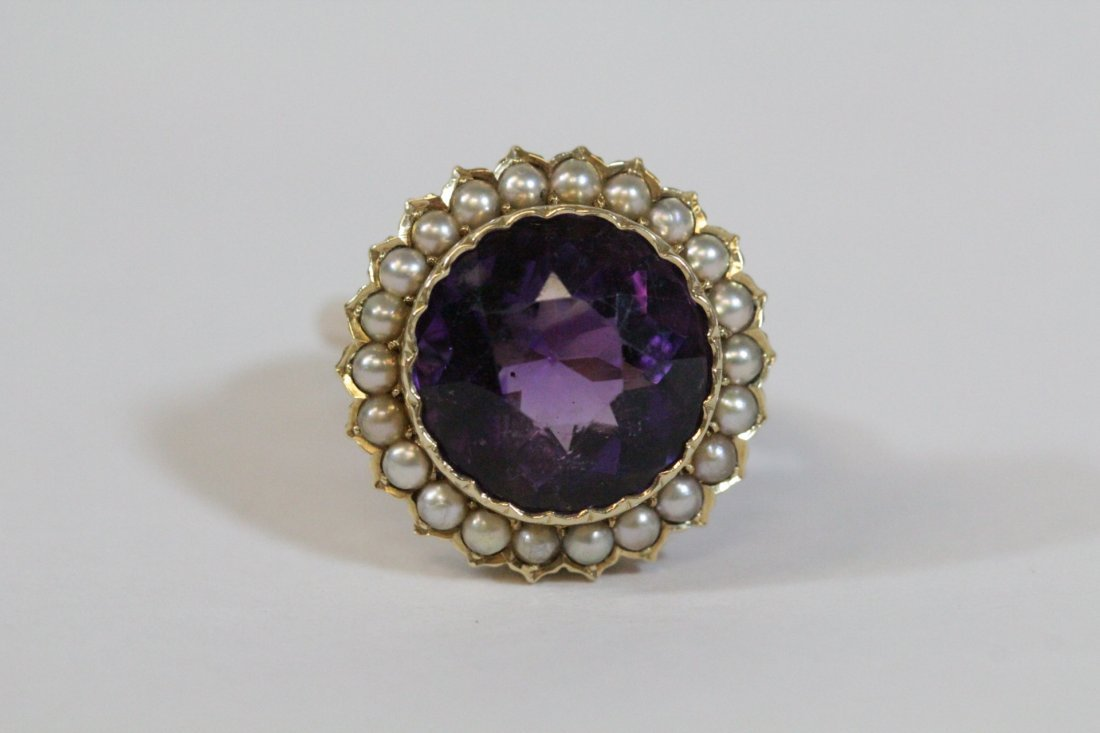 Victorian gold ring with amethyst and seed pearl