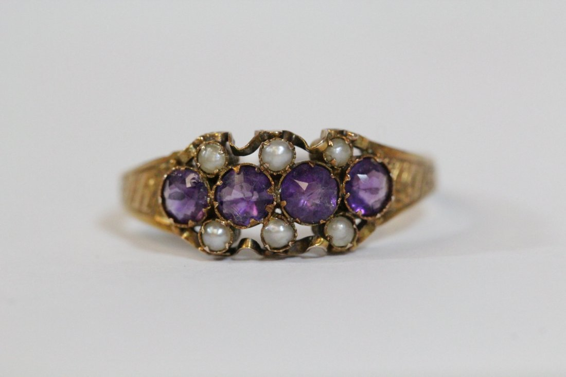 English 15K gold ring w/ amethyst and seed pearls