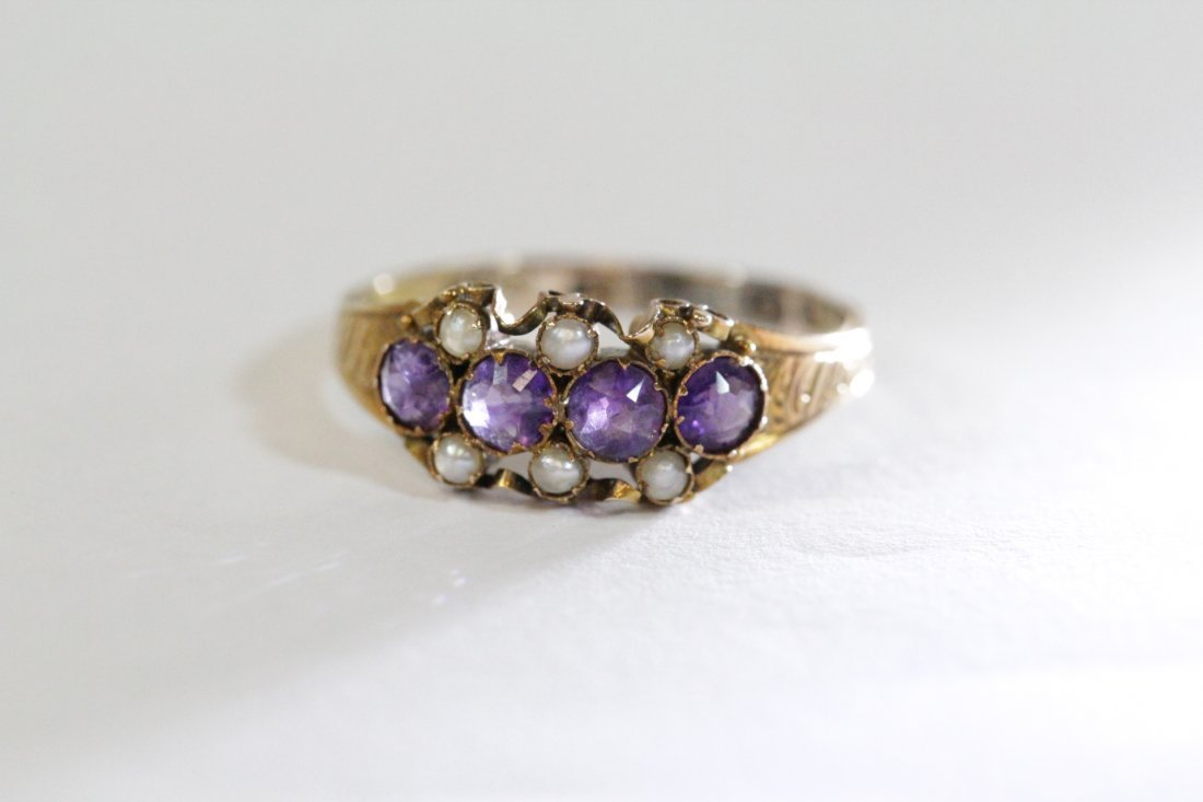 English 15K gold ring w/ amethyst and seed pearls - 7
