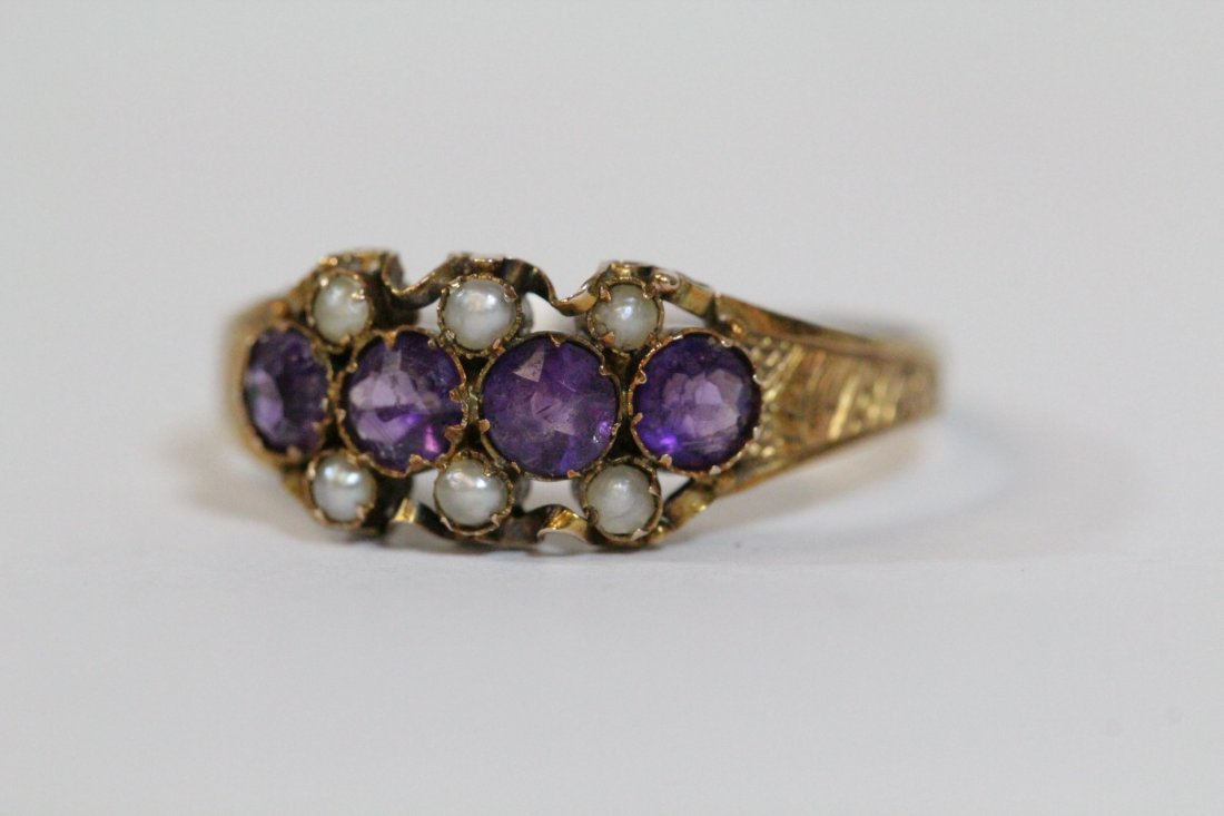 English 15K gold ring w/ amethyst and seed pearls - 9