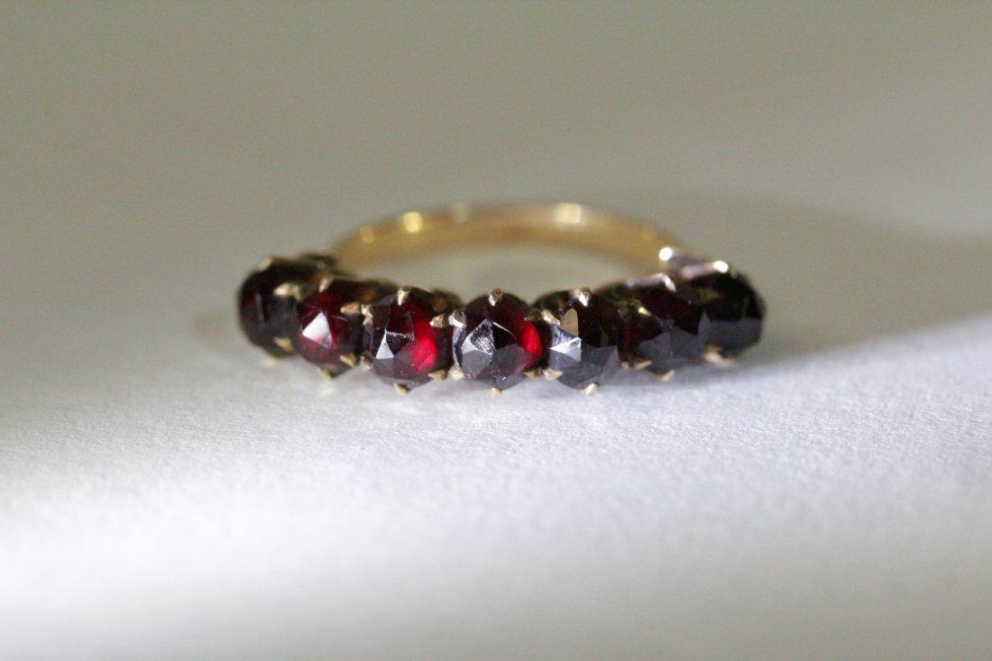 Victorian 14K ring set with rose cut garnet - 7