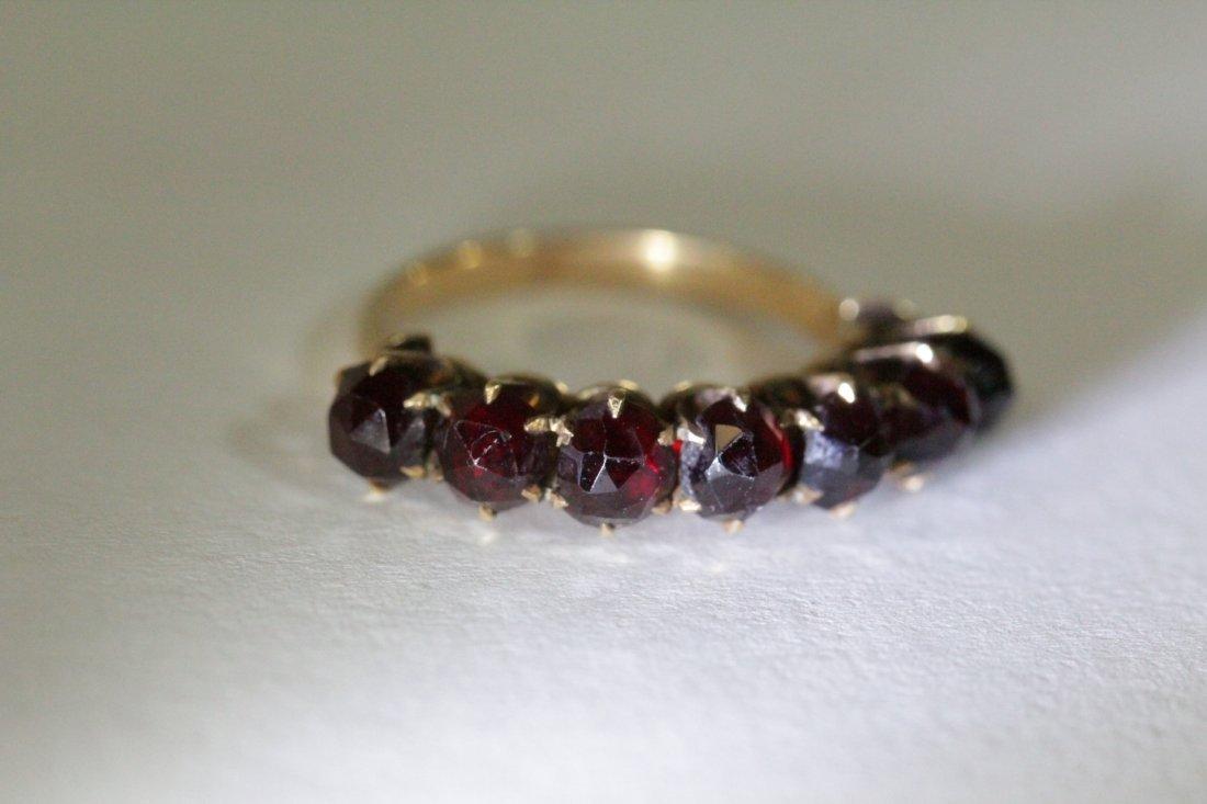 Victorian 14K ring set with rose cut garnet - 8