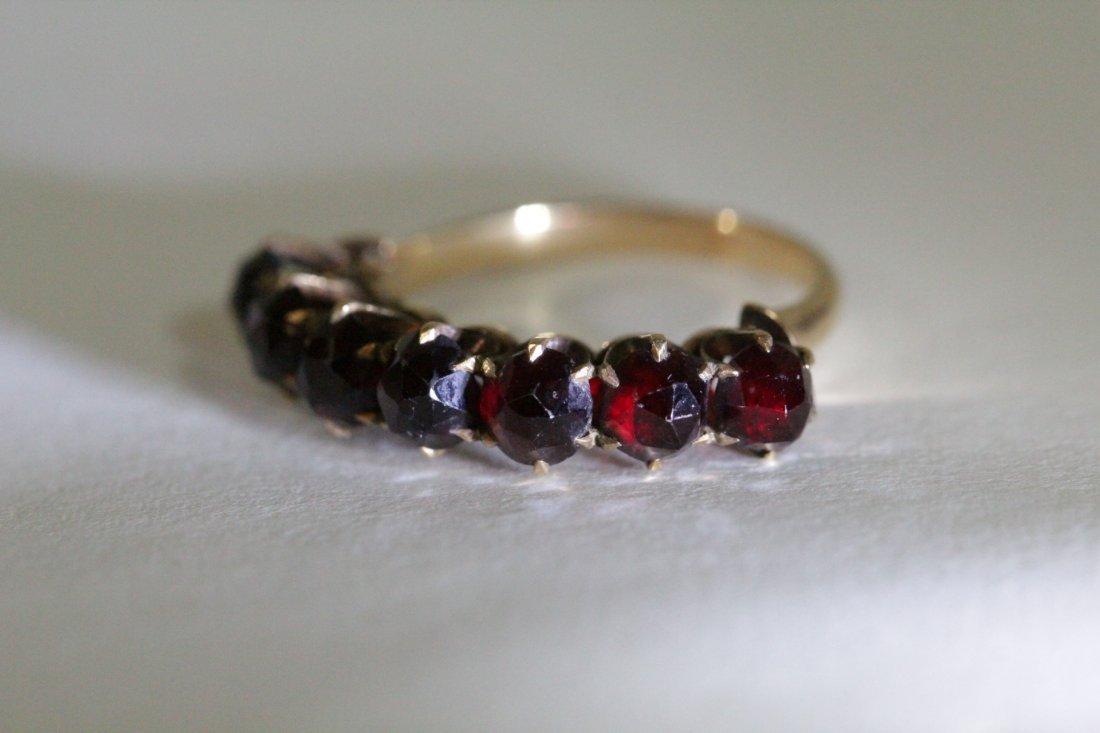 Victorian 14K ring set with rose cut garnet - 9