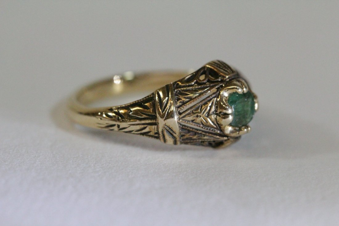 14K Y/G Victorian emerald ring - 9
